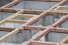 築20年以上の物件の増改築リフォームと建て替え