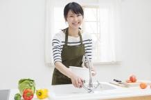 キッチンリフォームにおすすめの水栓金具の特徴